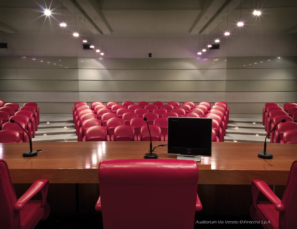 14) AUDITORIUM (Aud. podio platea)